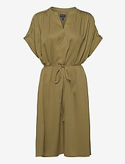 GANT - D1. FLUID DRESS - midi dresses - olive green - 0