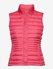 GANT - O1. LIGHT DOWN VEST - vester - love potion - 0