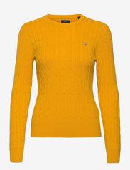 GANT - STRETCH COTTON CABLE C-NECK - džemperi - medallion yellow - 0