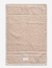 GANT - ORGANIC PREMIUM TOWEL 30X50 - pyyhkeet & kylpypyyhkeet - dry sand - 0