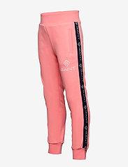 GANT - D1. LOCK UP STRIPE PANTS - jogginghosen - strawberry pink - 2