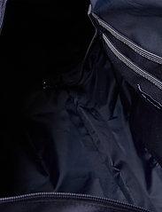GANT - D1. MEDIUM SHIELD GYM BAG - totes & small bags - evening blue - 5