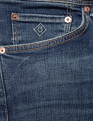 GANT - D1. SLIM ACTIVE-RECOVER JEANS - slim jeans - dark blue broken in - 2