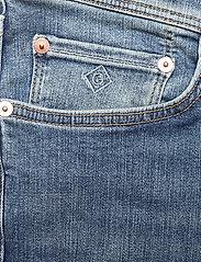 GANT - D1. SLIM ACTIVE-RECOVER JEANS - slim jeans - mid blue vintage - 2