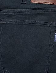 GANT - D2. REGULAR SOFT TWILL JEANS - regular jeans - navy - 4