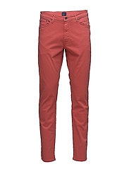 SLIM DESERT JEANS - RED SPICE