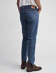 GANT - D1. REGULAR 11 OZ JEANS - regular jeans - mid blue - 5