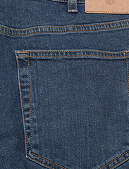 GANT - D1. REGULAR 11 OZ JEANS - regular jeans - mid blue - 4