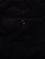 D1. SLIM CORD SLACK