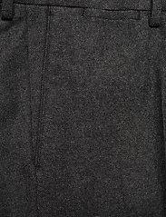 GANT - D1. SLIM FLANNEL SUIT PANT - suit trousers - charcoal melange - 2