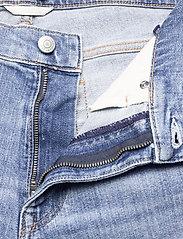 GANT - D1. REGULAR GANT JEANS SHORTS - denim shorts - light blue vintage - 3