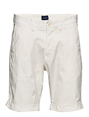 D2. REGULAR SUNFADED SHORTS - EGGSHELL