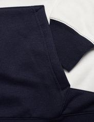 GANT - D1. GANT RETRO SHIELD BLOCK HOOD - hoodies - evening blue - 4
