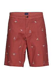 O2. THE SURFER SHORT - MINERAL RED