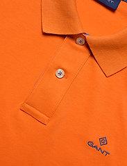 GANT - CONTRAST COLLAR PIQUE SS RUGGER - short-sleeved polos - sunny orange - 2