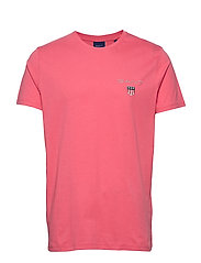 D1. MEDIUM SHIELD SS T-SHIRT - RAPTURE ROSE