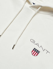 GANT - D1. MEDIUM SHIELD HOODIE - basic sweatshirts - eggshell - 2
