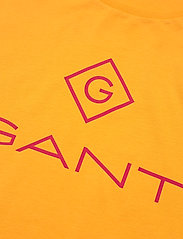 GANT - D1. COLOR LOCK UP SS T-SHIRT - short-sleeved t-shirts - ivy gold - 2