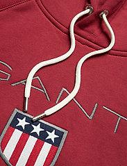 GANT - SHIELD HOODIE - hoodies - mahogany red - 2