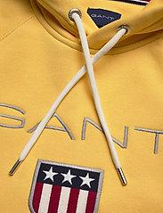 Gant - SHIELD HOODIE - hoodies - mimosa yellow - 2