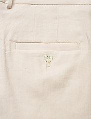 GANT - D2. STRETCH LINEN SHORTS - chino shorts - putty - 4