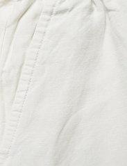 GANT - D2. SUMMER LINEN SHORTS - shorts casual - eggshell - 2