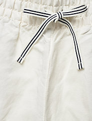GANT - D2. SUMMER LINEN SHORTS - shorts casual - eggshell - 3
