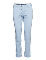 CLASSIC CROPPED CHINO - HAMPTONS BLUE