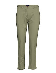 CLASSIC CHINO - OIL GREEN