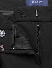 Gant - D1. STRETCH TAPERED PANT - suorat housut - black - 3