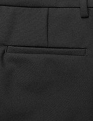 GANT - D1. STRETCH TAPERED PANT - raka byxor - black - 4