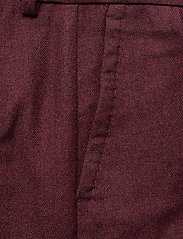 GANT - D1. WASHABLE STR WOOL TAPERED PANT - slim fit-byxor - mahogny red - 2