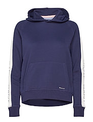 O1. GANT ICON SWEAT HOODIE - EVENING BLUE