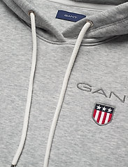 Gant - D1. MEDIUM SHIELD HOODIE - hoodies - light grey melange - 2