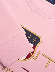 GANT - ARCHIVE SHIELD C-NECK SWEAT - sweatshirts - preppy pink - 2