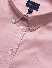 GANT - STRETCH OXFORD SOLID SS SHIRT - overhemden met korte mouwen - light pink - 2