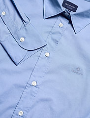 GANT - SOLID STRETCH BROADCLOTH SHIRT - long-sleeved shirts - mid blue - 2