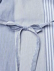 GANT - D1. MIX STRIPE KAFTAN DRESS - shirt dresses - blue bell - 8