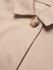 GANT - D1. TP RAIN MAC - cienkie płaszcze - dry sand - 2