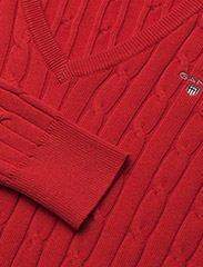 GANT - STRETCH COTTON CABLE V-NECK - jumpers - bright red - 1