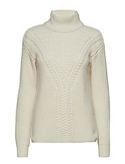 O1. CABLE TURTLENECK - EGGSHELL