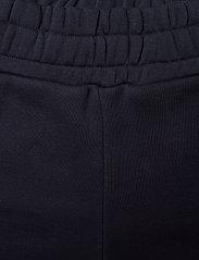 GANT - D1. GANT SCRIPT SWEAT SHORTS - shorts - evening blue - 4