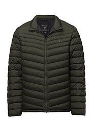 O1. THE AIRLIGHT DOWN JACKET - MOSS GREEN