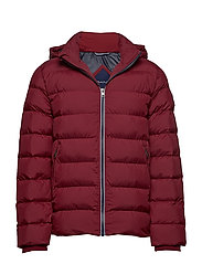 D1. THE ACTIVE CLOUD JACKET - MAHOGNY RED