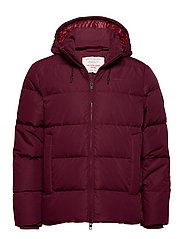 D2. THE ALTA DOWN JACKET - PORT RED