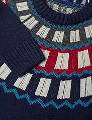 D2. HOLIDAY FAIRISLE CREW