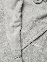 GANT - ORGANIC TERRY BATHROBE - vaatetus - light grey - 2