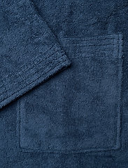 GANT - ORGANIC TERRY BATHROBE - bathrobes - yankee blue - 3