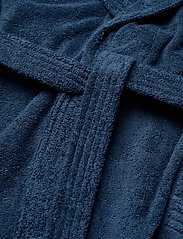 GANT - ORGANIC TERRY BATHROBE - bathrobes - yankee blue - 4