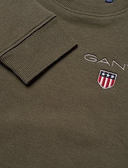 GANT - D1. MEDIUM SHIELD SWEAT C-NECK - sweatshirts - sea turtle - 2